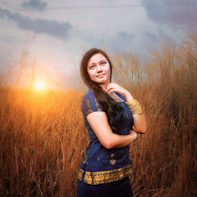 WHEN THE SUN BURNS RED by MSR Photography - People Portraits of Women