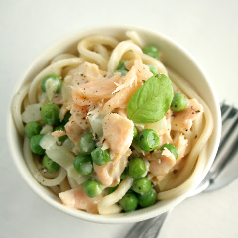 SMOKED SALMON AND PEA PASTA