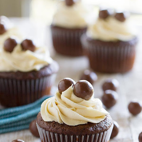 Chocolate Malt Cupcakes with Vanilla Malt Buttercream