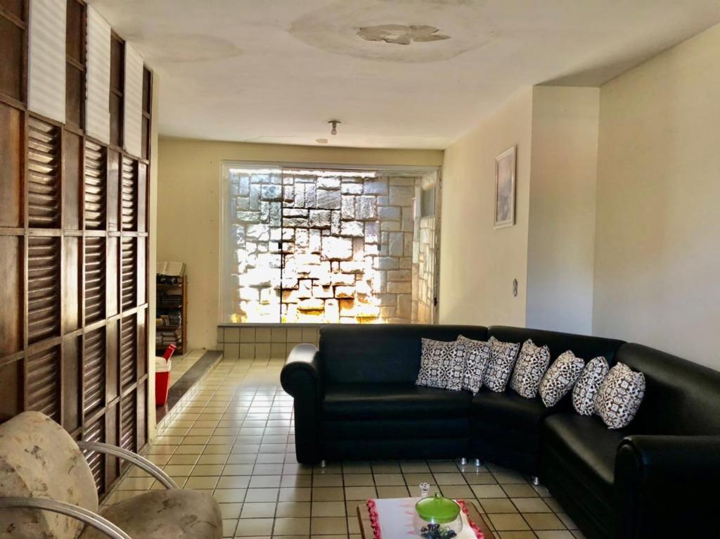 Casa com 3 dormitórios, 268 m² - venda por R$ 1.300.000,00 ou aluguel por R$ 3.500,00/mês - Bessa - João Pessoa/PB