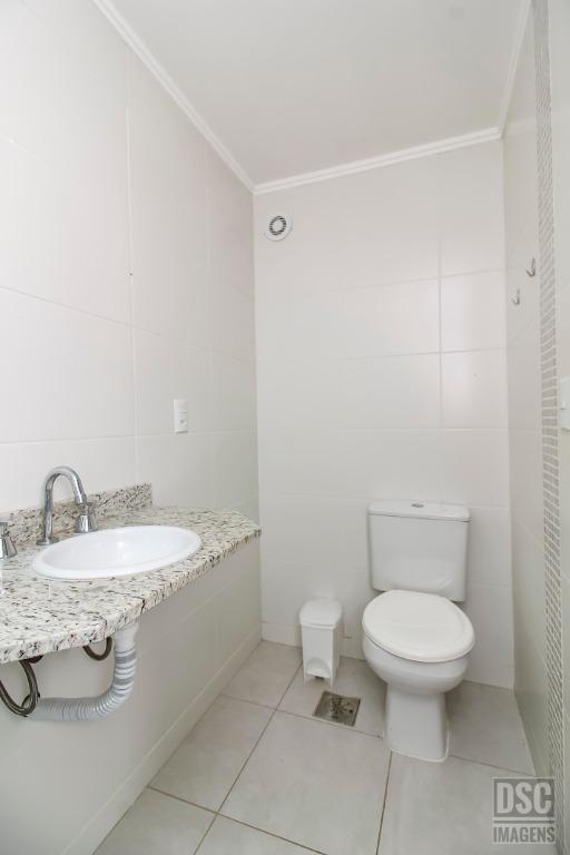 Apartamento 2 dormitórios (1 suíte) e 1 vaga de garagem Vila Ipiranga Porto Alegre