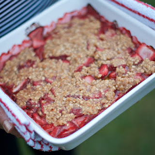 Strawberr Crumble Dessert