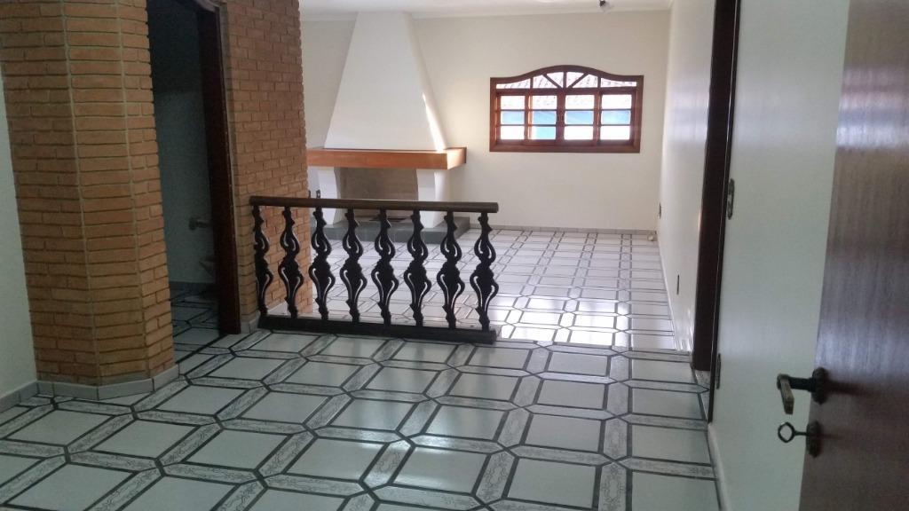 Casa com 3 dormitórios para alugar, 320 m² por R$ 5.000/mês - Centro - Bragança Paulista/SP