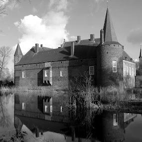 Castle by Hilda van der Lee - Buildings & Architecture Public & Historical ( holland, black & white, reflections, castle, architecture,  )