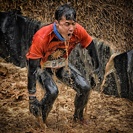 Shinji by Marco Bertamé - Sports & Fitness Other Sports ( splatter, splash, differdange, 2015, eyes closed, number, waterdrops, soup, luxembourg, mud, red, strong, standing up, drops, dirty, brown, 681, strongmanrun, man, ¨water )