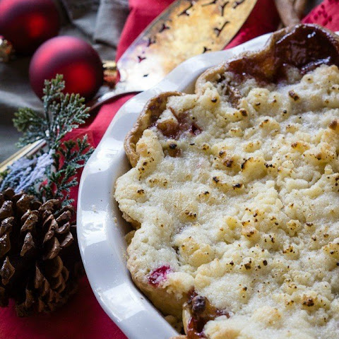 Apple Pear Cranberry Ginger Crumble Pie