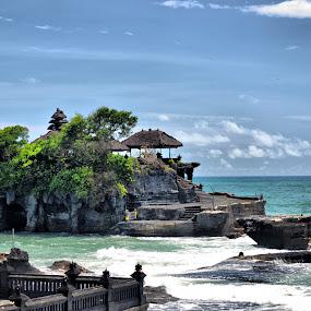 Pesona Pura Tanah Lot by Handy Nordy Fariza - Buildings & Architecture Other Exteriors ( menarik, wisata, tanah lot, alam, pura )