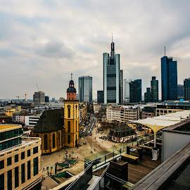 Frankfurt ein Blick von Dachkaffee by Thanh Nguyen - City,  Street & Park  City Parks