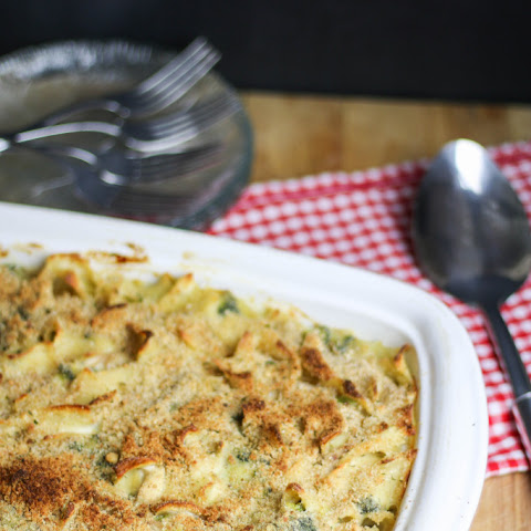 Cheesy Chicken & Broccoli Noodle Bake