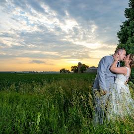 by Peter Marzano - Wedding Bride & Groom