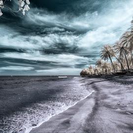 Sengigi beach by M Julianto Prananta - Landscapes Beaches