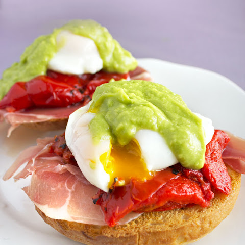 Bagel Eggs Benedict with Avocado Hollandaise