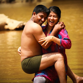 Love is love by Vinoth Kumar - People Family ( lovely couple )