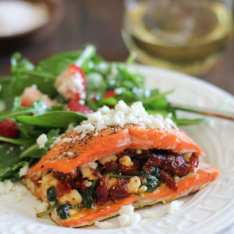 How to Cook Stuffed Salmon