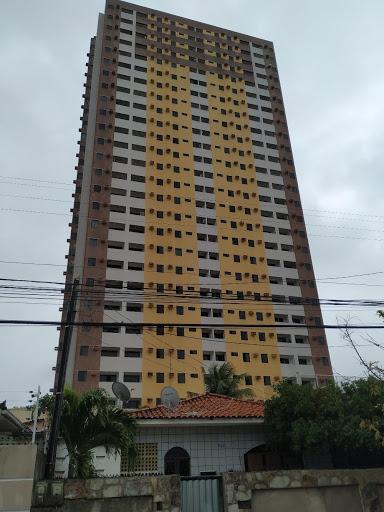 Apartamento com 3 dormitórios à venda, 84 m² por R$ 195.000,00 - Manaíra - João Pessoa/PB