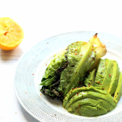 10 Minute Grilled Lettuce And Avocado Salad