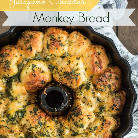 Jalapeno Cheddar Cream Cheese Stuffed Monkey Bread