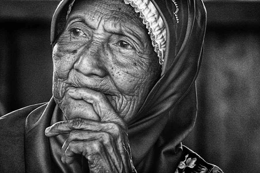 by Oji Blackwhite - People Portraits of Women ( senior citizen )
