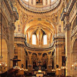 PARIS - Eglise dans le Marais by Gérard CHATENET - Buildings & Architecture Places of Worship