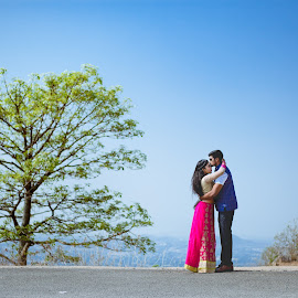 The Pre Wedding shoot on hills by Pritam Ganguly - Wedding Bride & Groom ( love, wedding, pre wedding, bride and groom, destination wedding, bride, groom, portrait )