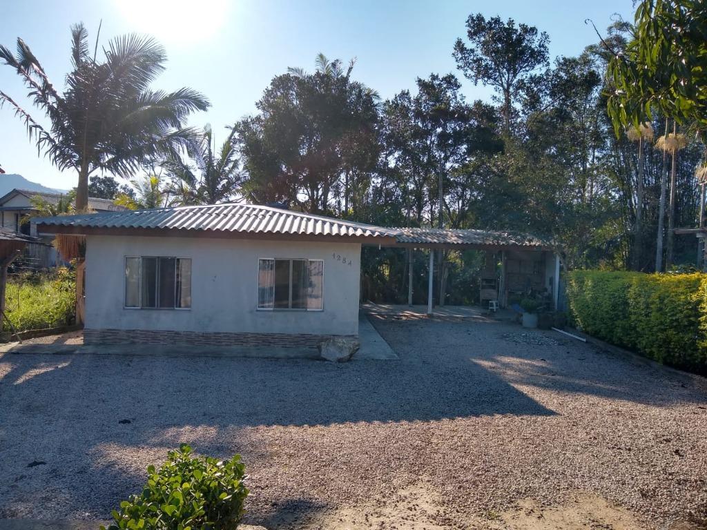 Casa á venda em área rural com fácil acesso a BR-101