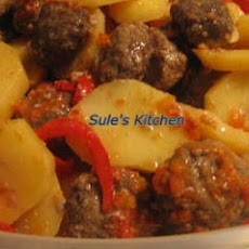 OVEN BAKED MEATBALLS WITH POTATOS (FIRINDA KOFTE PATATES)