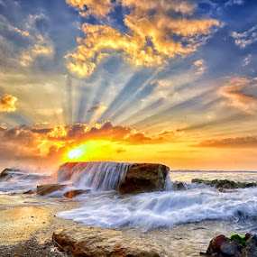 Radiance by Hendri Suhandi - Landscapes Sunsets & Sunrises ( bali, manyar, sunbeams, indonesia, sunrays, beach, sunrise, travel )