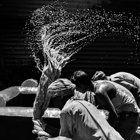 Working class Hero! by Rajarshi Mitra - News & Events World Events ( work, explore, indian, water splash, men, spot )