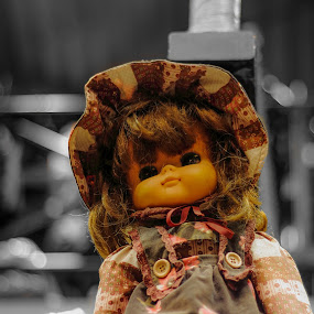 Spooky by Bill MacLachlan - Artistic Objects Toys ( scary, creepy, figure, b&w, doll, ningyou, color, horror )