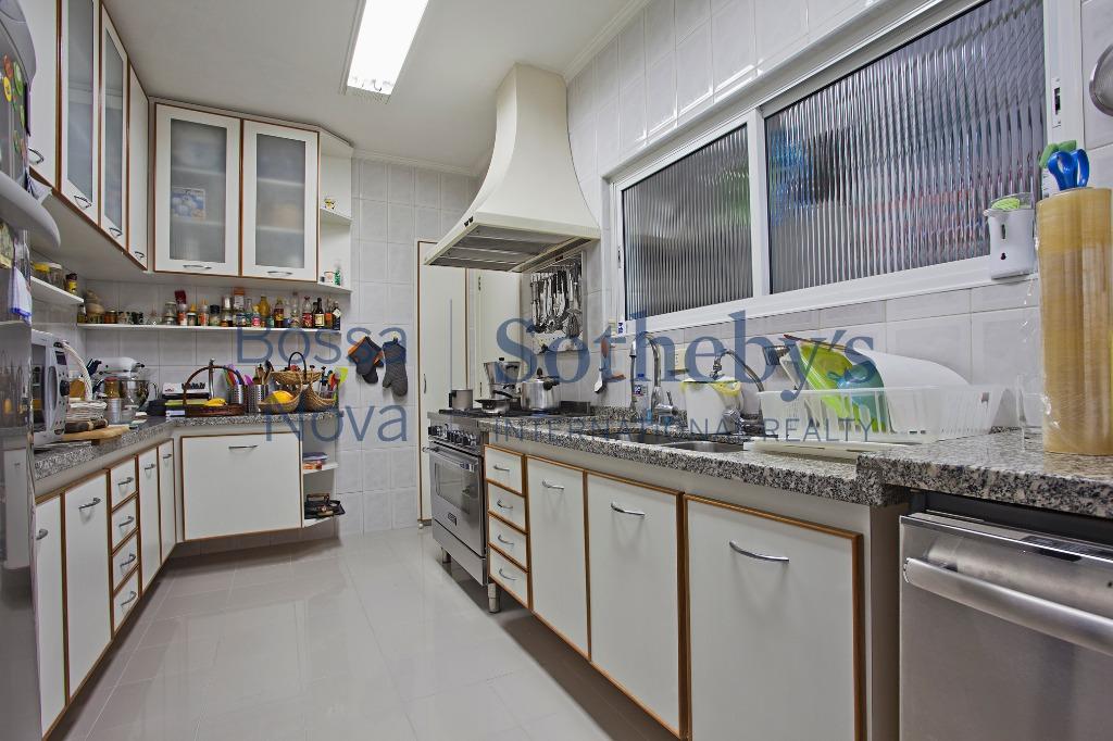 Apartamento na região da Paulista, para quem busca espaço e boa localização.