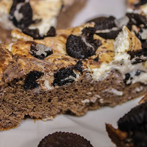 Cookies & Cream PROTEIN Brownies Recipe (Healthy)