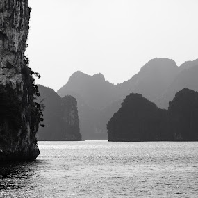 Ha Long Bay by Kiên Lâm - Landscapes Travel ( pwcbwlandscapes )