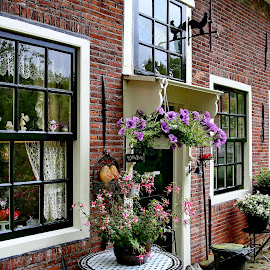 holländische Fensterdekoration by Elke Krone - Buildings & Architecture Architectural Detail ( fensterdekoration, holland, sprossenfenster, fenster )