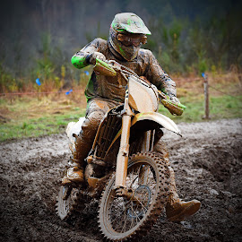 Inward Curve by Marco Bertamé - Sports & Fitness Motorsports ( curve, turn, mud, bike, rainy, inward, motocross, clumps, weather, race, competition,  )