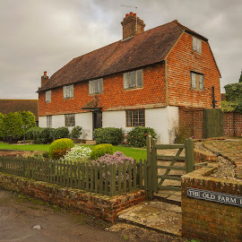 old farm house by Yordan Mihov - Buildings & Architecture Homes ( countryside, farm, england, old, kent, hever, house, surry )