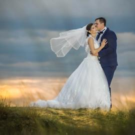 In flames by Vasiliu Leonard - Wedding Bride & Groom ( fotograf nunta iasi, wedding, luxmariaj, bride, vasiliu leonard, groom )