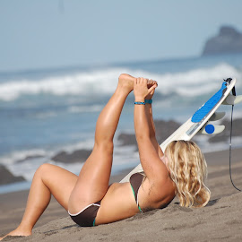 Worming by Moises Paquete - Sports & Fitness Surfing ( beach, surf, azores )