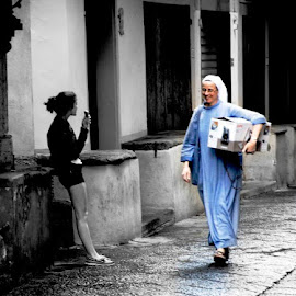 Some summer day in an Italian city by Bjorn Raes - People Street & Candids