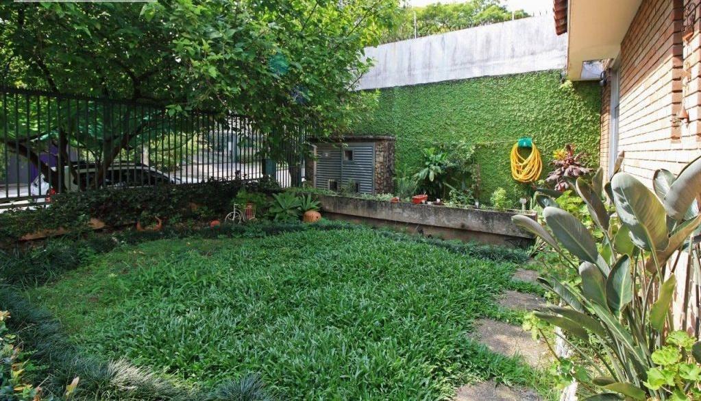 Casa / Sobrado à Venda - Alto de Pinheiros