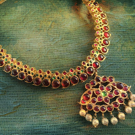 by Amruta Iyer - Artistic Objects Jewelry
