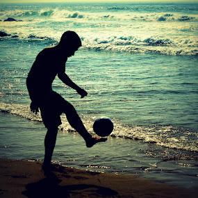 Footy on the beach by Suzanna Nagy - People High School Seniors