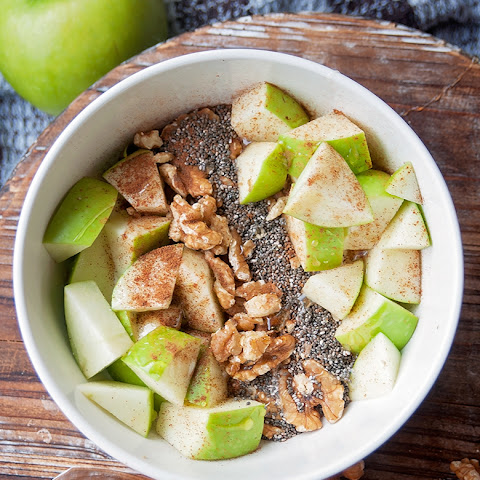 Apple Cinnamon Yogurt Bowl