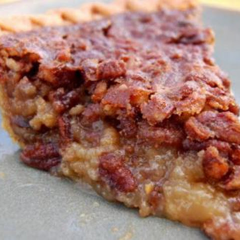 Pecan Pie (Easy and YUMMY)