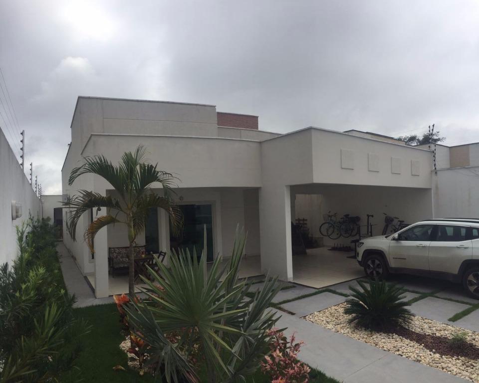 Linda casa com piscina pra alugar ou vender