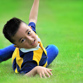 Child Playing by Satya Adt - Babies & Children Children Candids ( boychild, football, chid, child playing, children playing )