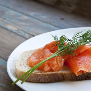 Salmon Gravlax with Fresh Dill