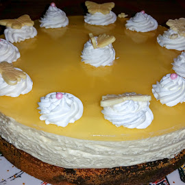 Cake for the holidays by Linda Brueckmann - Food & Drink Candy & Dessert (  )