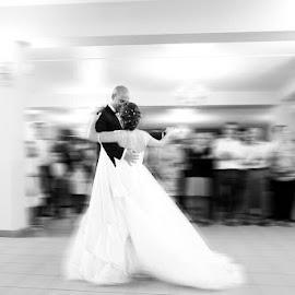 Dancing by Luis Silva - Wedding Bride & Groom ( dress, wedding, bride )