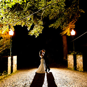 Marin Dumitru,www.fotografi-nunti.ro by Marin Dumitru - Wedding Bride & Groom ( marin dumitru, www.fotografi-nunti.ro, silhouette )