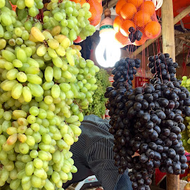 Grapes  by Shahed Arefeen - Food & Drink Fruits & Vegetables ( grapes, food, fruits, food photography, fruits and vegetables )